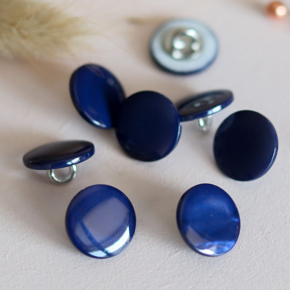Bouton nacre à queue - Bleu marine